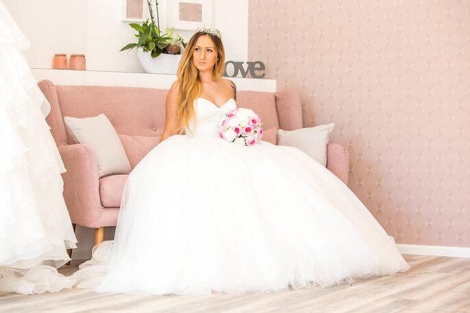 Hochzeitsdienstleister. Brautkleid