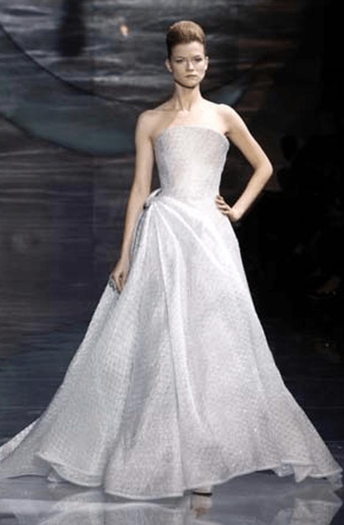 Trägerloses Brautkleid - Armani 2011