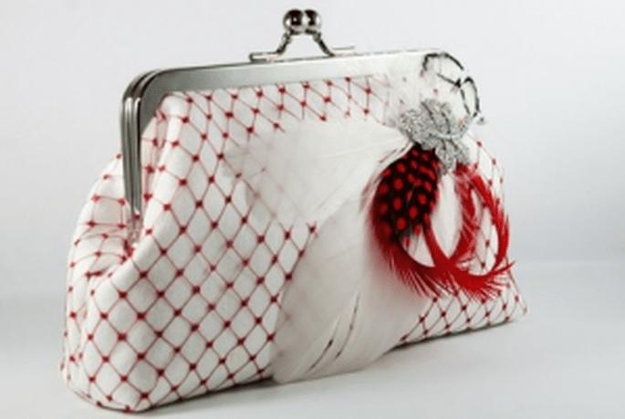 Originalissima borsetta con ricami colorati