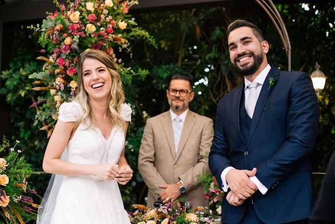 Noivos durante a cerimônia