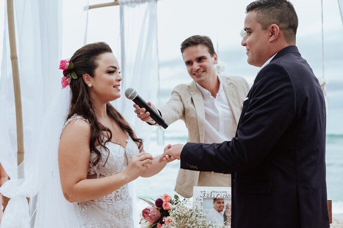celebrante casamento praia