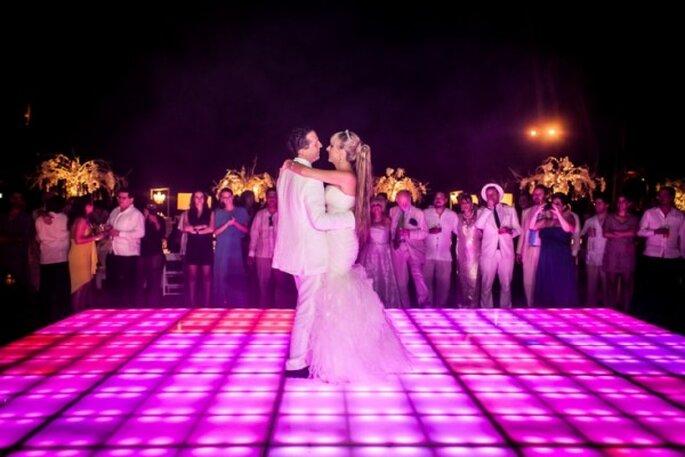 Real Wedding: Encanto en blanco en la boda de Almudena y Enrique - Foto Adriana Morett