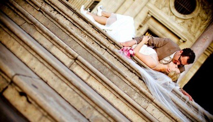 Für Verliebte: Hochzeitsfotos in Paris. Foto: Katja Schünemann. www.ks-weddings.de