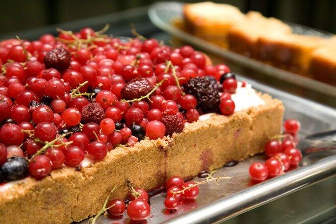 bolo com frutos vermelhos