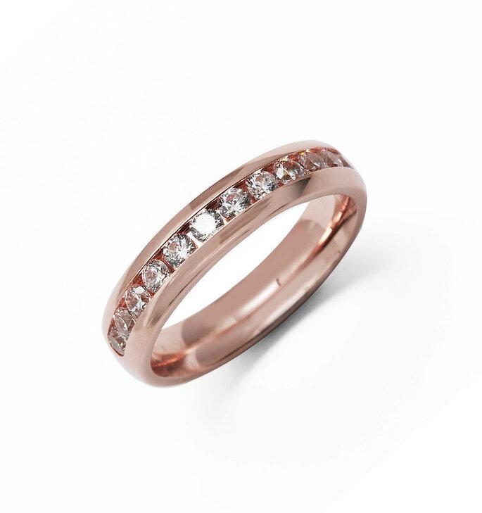 Alliances en diamants et en or rose