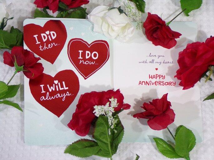 Tarjeta hecha a mano como regalo de primer aniversario de bodas