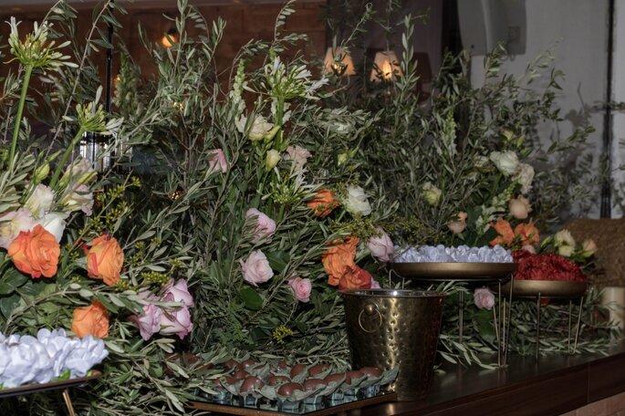 decoração floral mesa casamento