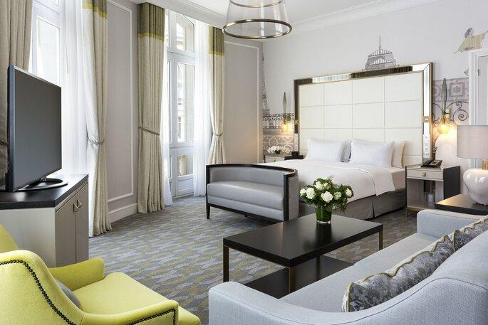 Un chambre moderne et luxueuse de l'Hôtel Hilton Paris Opéra