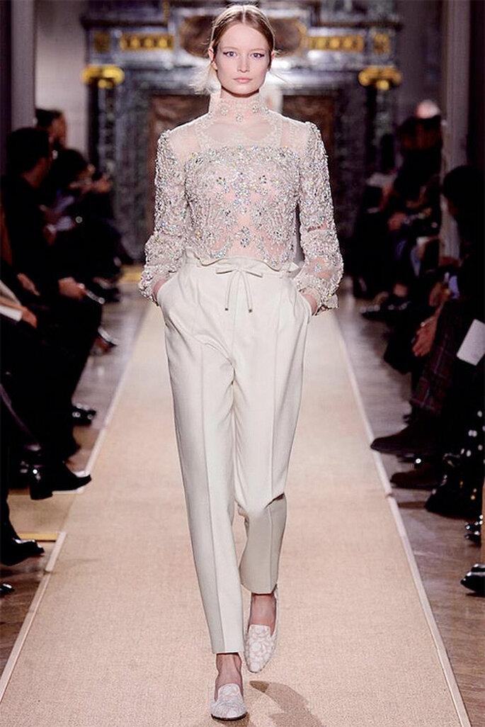 Conjunto de blusa y pantalón de Valentino Alta Costura 2013. Foto: Valentino