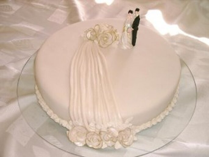 Bolo de noiva simples de uma camada