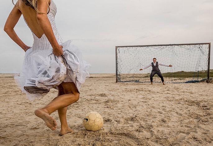 trash the dress futebol