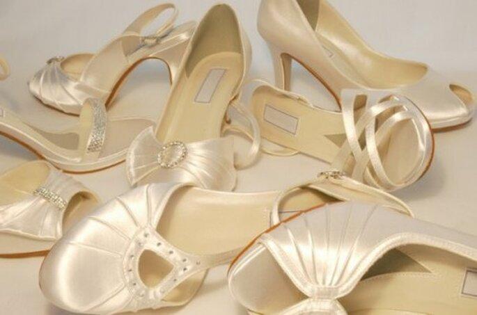 Chaussures de mariage, pas question de les cacher ! - Photo : Enepa