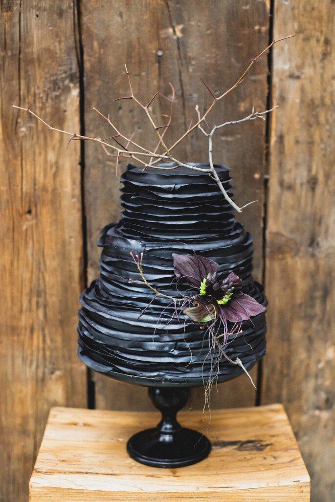 Свадебные фотографии в черном цвете