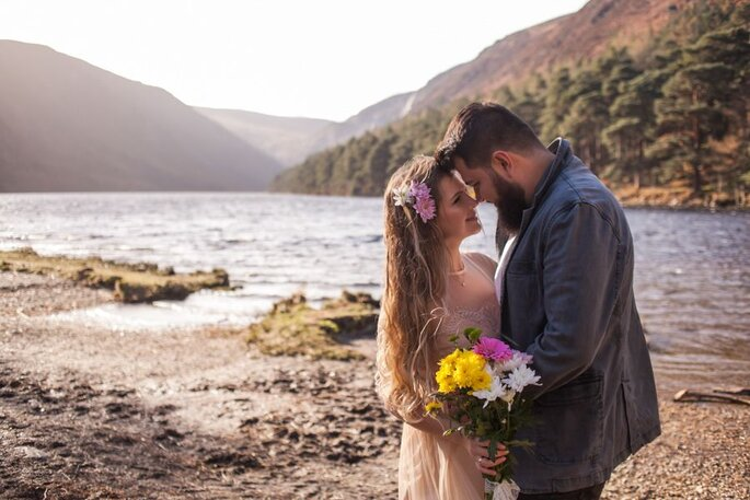 Fotos que buscam o lado verdadeiros dos noivos