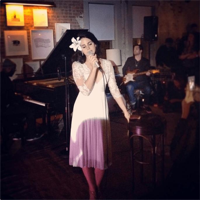 Vestido de novia inspirado en Lana del Rey - Foto Catherine Deane Facebook
