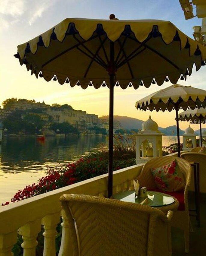 photo: Hotel Lake Pichola.