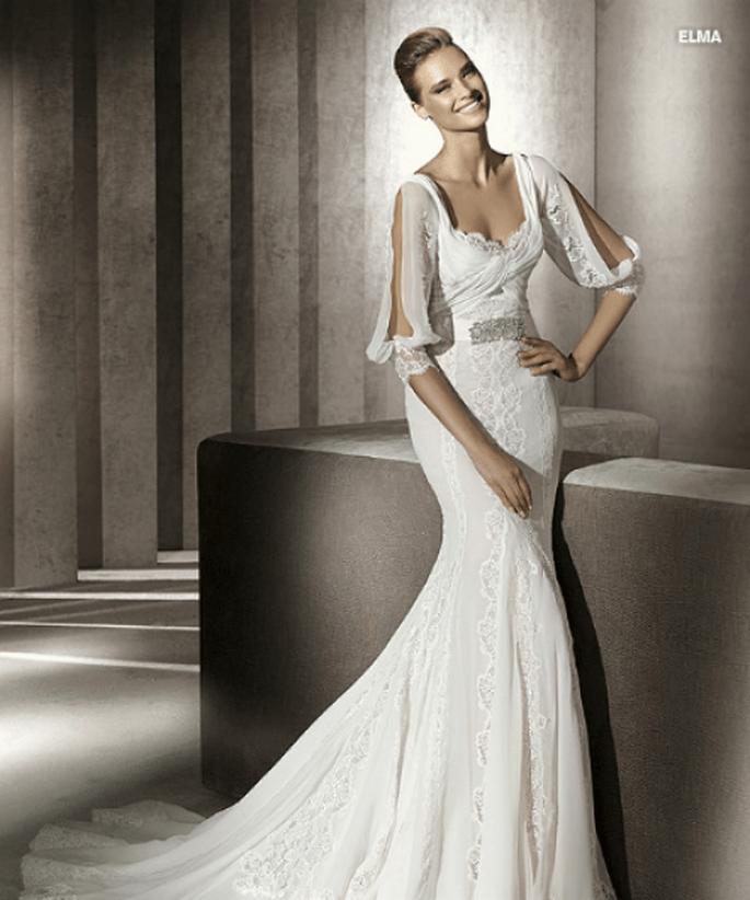 Vestido de novia Elma en gasa y encaje, de Manuel Mota