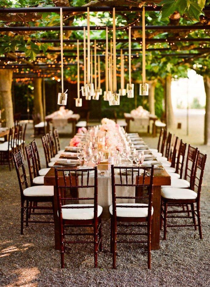 Decoración suspendida para bodas - Foto Lisa Lefkowitz