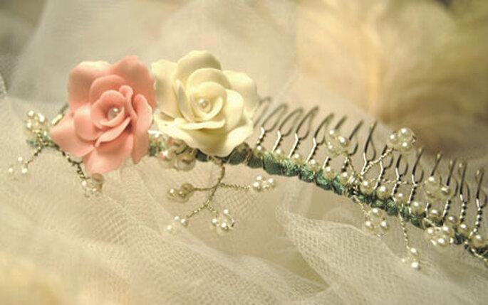 Zeit für die Liebe - Kämmchen mit zartem Rosendekor
