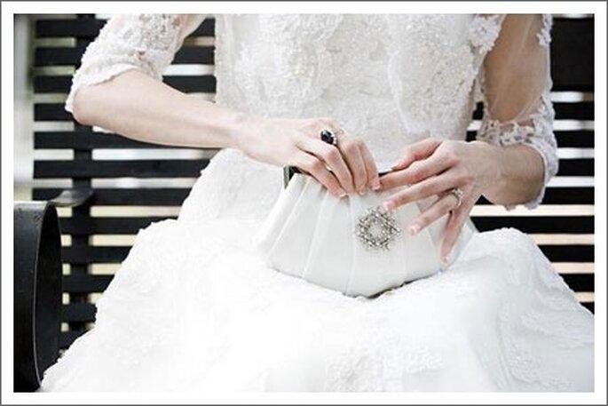 Clutch para novias -Foto Betsy White