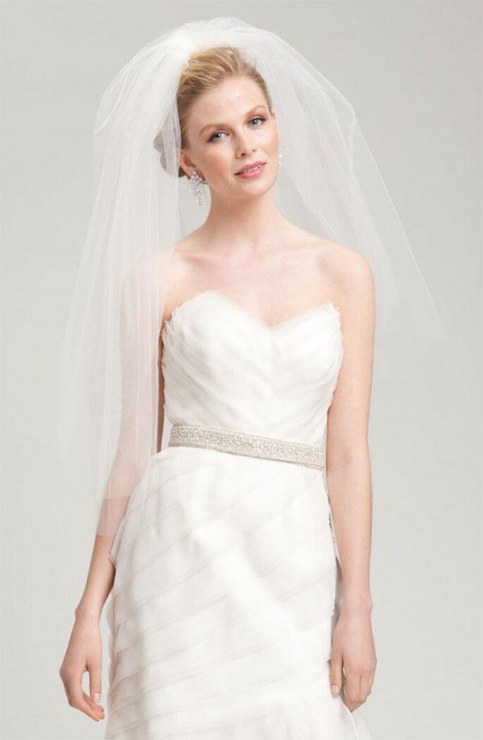 Cinto liso con pedreria para el vestido de novia - Foto Nordstrom