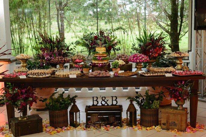 Mesa dos doces rústica