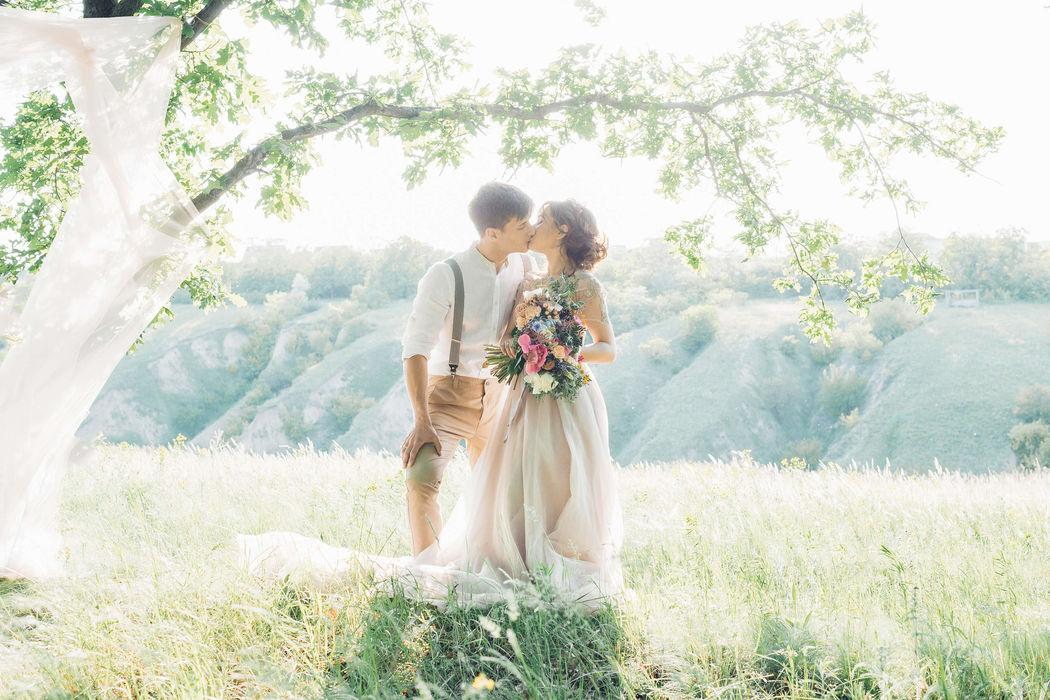 Judith Ravasi Weddings