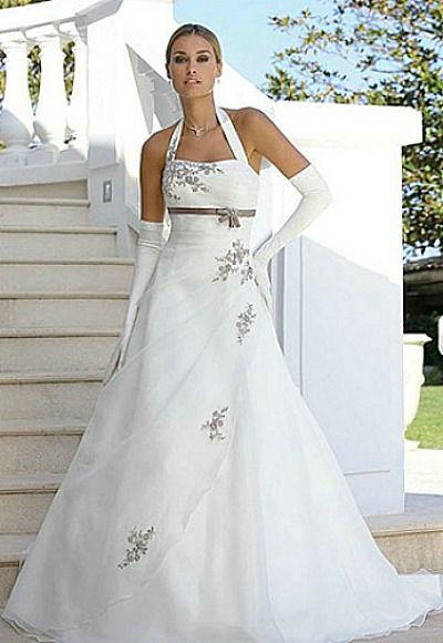 Beispiel: Brautmode, Foto: DieBraut.