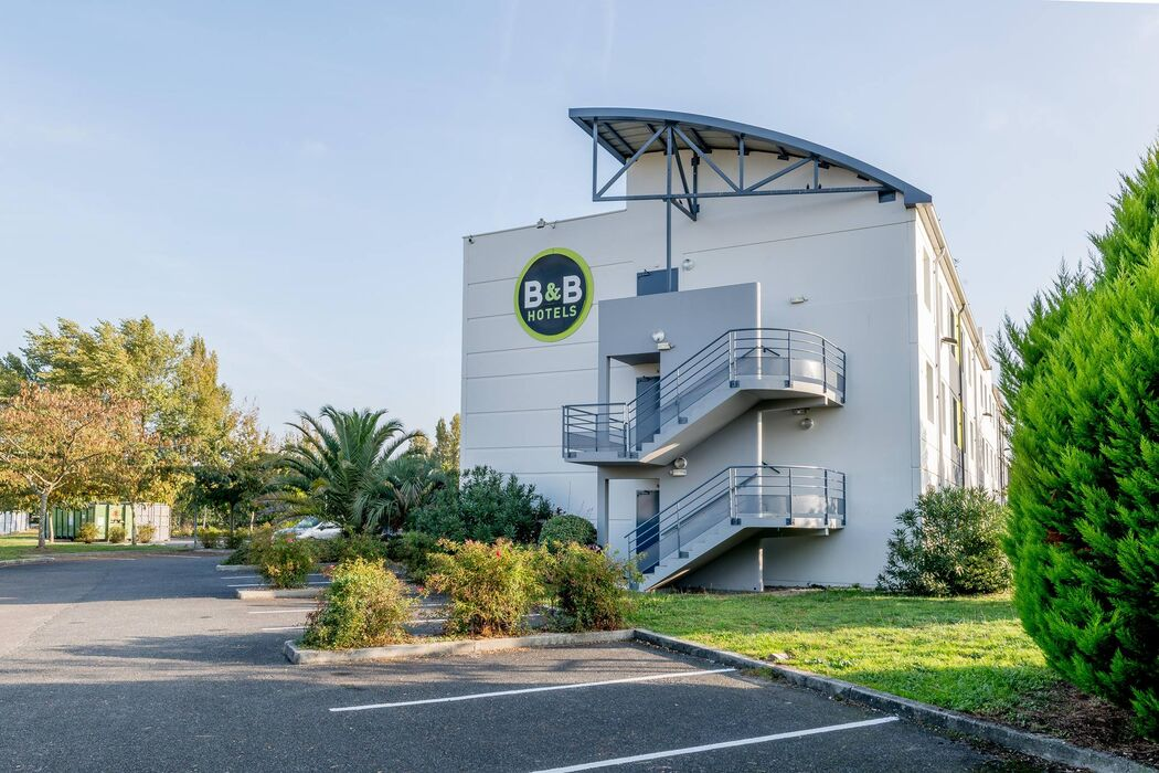 B&B Hôtel Bordeaux Lac-sur-Bruges**