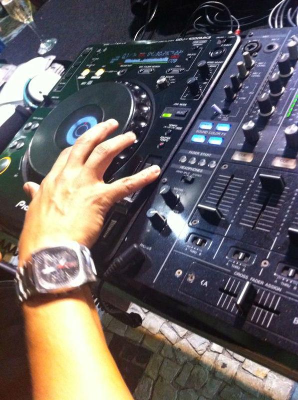 """DJ Felipe Venâncio - 12"""" Agência de Música"""