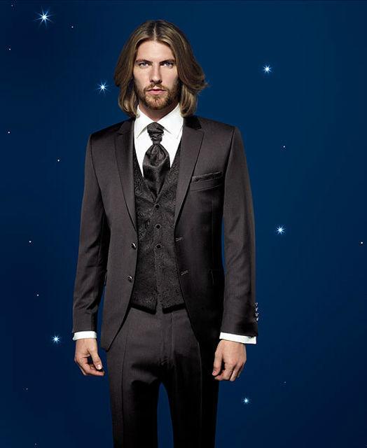 Beispiel: Kleiden Sie sich zur Hochzeit ein, Foto: Mentel exklusiv.