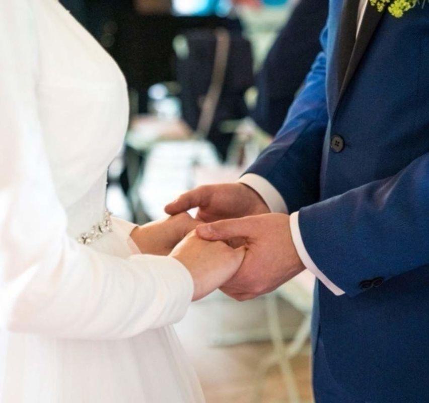 DER Hochzeitspfarrer der Schweiz
