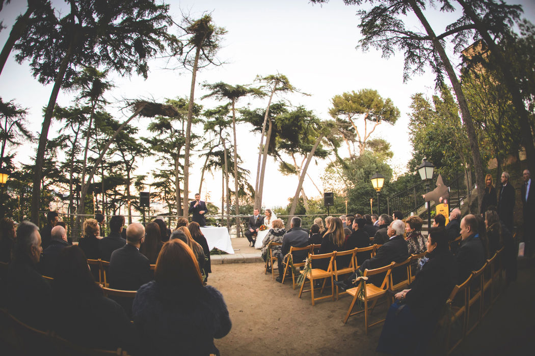 Ceremonia simbólica en la Plaza del Baluard