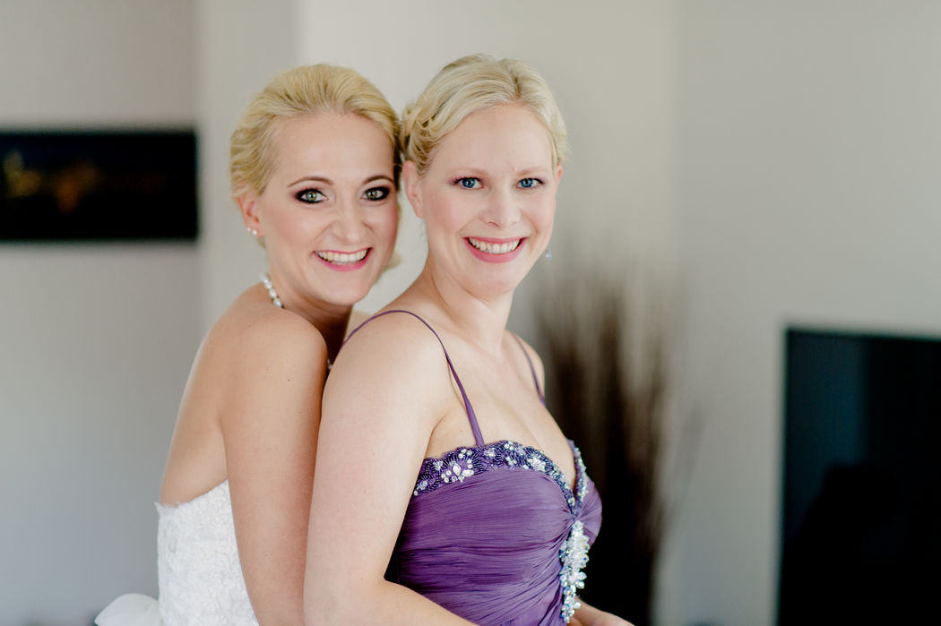Andrea und Sina, zwei bezaubernde Frauen mit dem gewünschten Look.