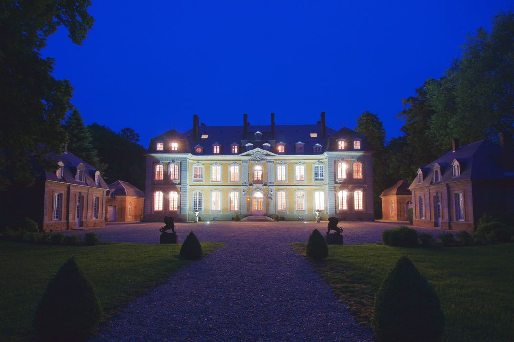 Château de Carsix by night