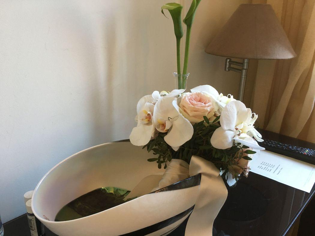 Un particolare della camera con il bouquet