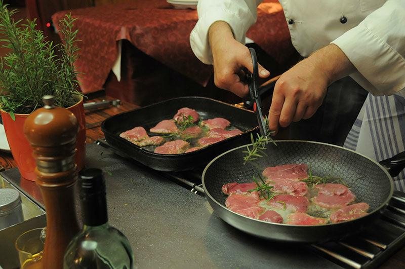 Beispiel: Gute Küche mit frischen Zutaten, Foto: Landhaus Hubertus.