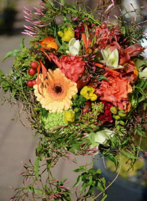Beispiel: Blumenschmuck, Foto: Sommerer Blumen.