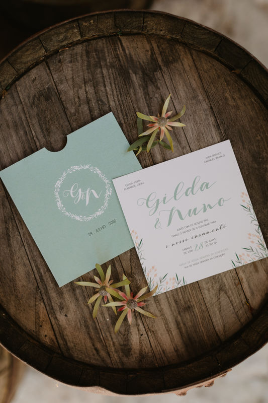 Invite - Momentos Felizes