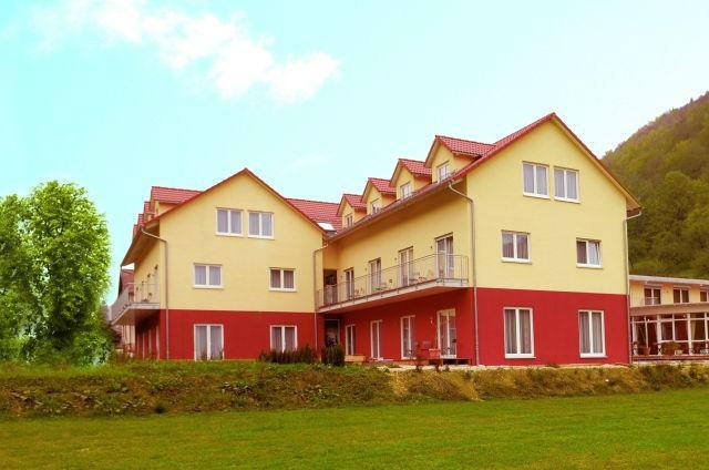 Beispiel: Außenansicht, Foto: Hotel Restaurant Talblick.