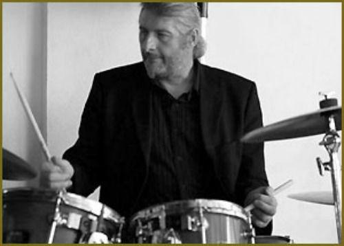 Beispiel: Schlagzeuger: Andreas Luger, Foto: Haute Couture.