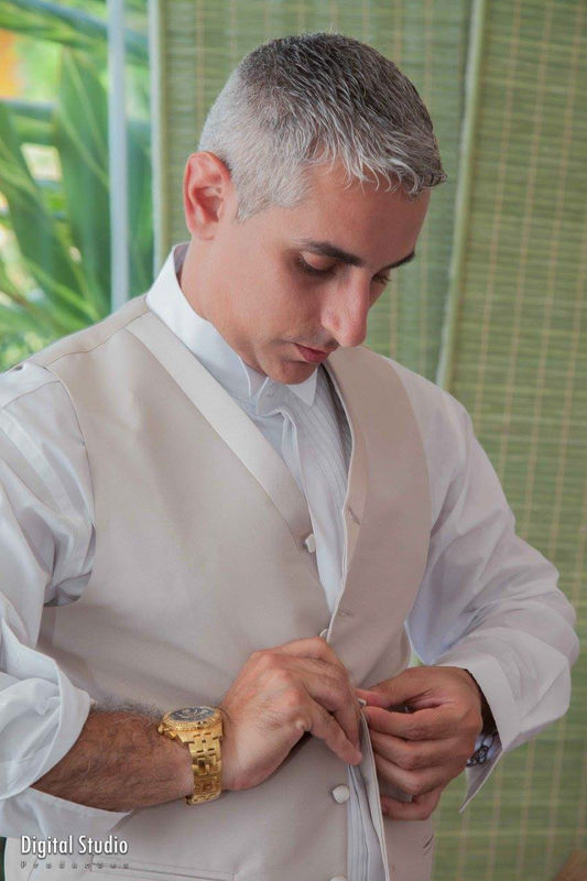 Making of do noivo. Casamento de Vitor e Taiane no Castelo de Itaipava - RJ