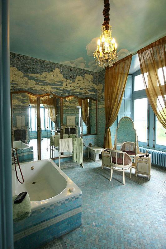 Salle de bain du Château de Candés Saint- Martin