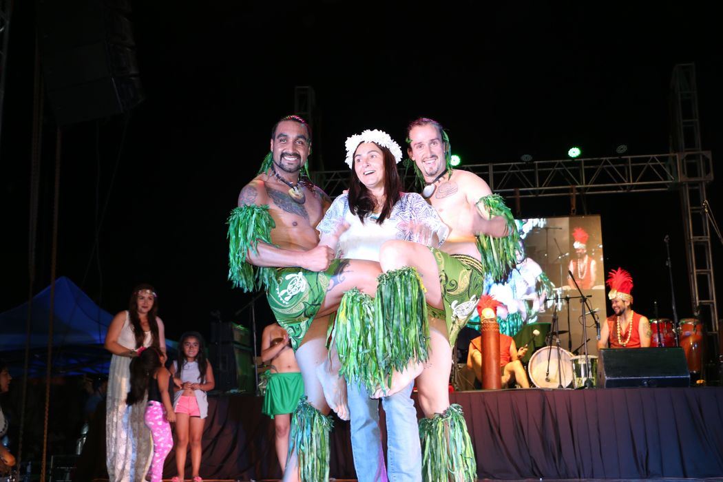 Show Polinesio Manu piri