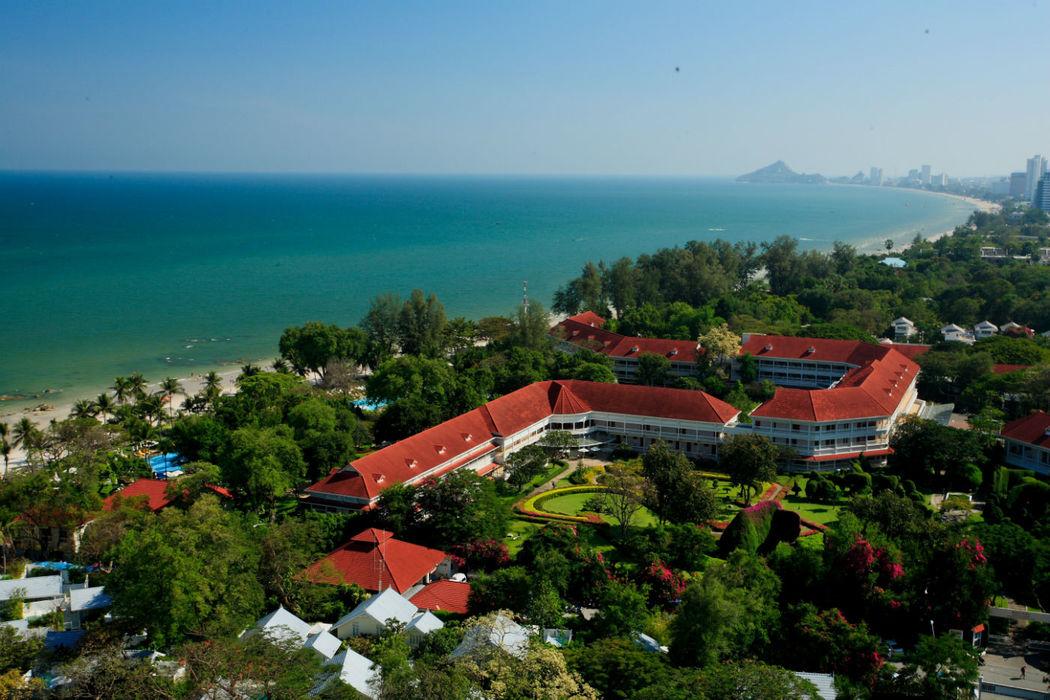 Centara Grand Beach Resort & Villas Hua Hin am kilometer langen Hua Hin Beach, Foto: Centara Hotels and Resorts.