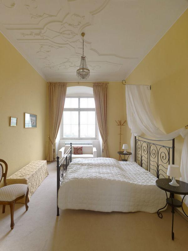 Beispiel: Zimmer 2.09 im 2.OG im Schloss, Foto: Schloss Weiterdingen.