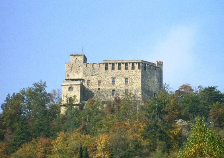 Castello dal Verme di Zavattarello: le romantiche atmosfere di una rocca militare medievale