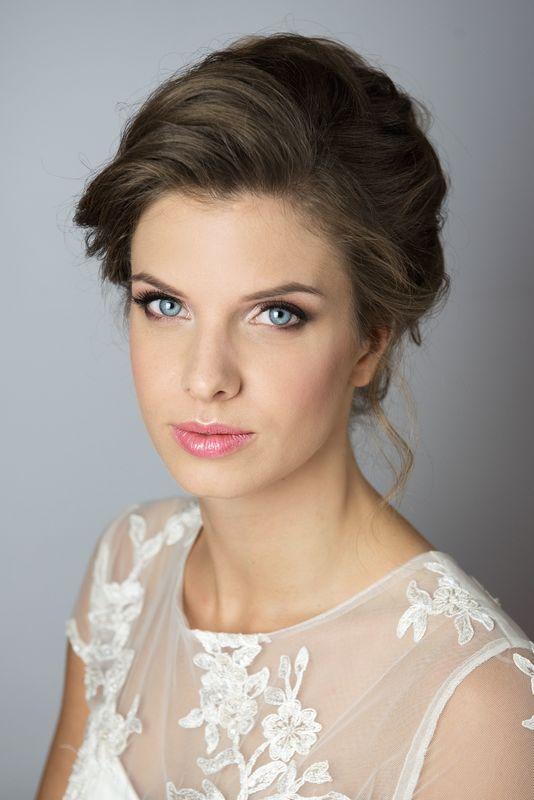 fot. Little Stories, MUA Delfina Kardaś - Kotlicka, suknia SALON ŚLUBNY POZNAŃ