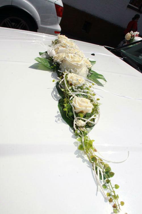 Beispiel: Blumendekoration für Ihre Limousine, Foto: Limousinen Service Germany.