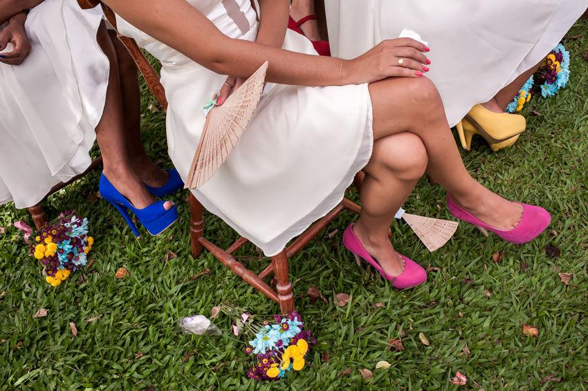 Detalhes das cores no casamento da Camila.